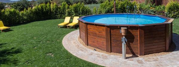Installare una piscina fuori terra in giardino